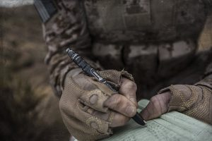 The Special Rite in the Rain Ink from the Gerber Impromptu Self Defense Tactical Pen makes writing in the worst weather conditions no problem at all.